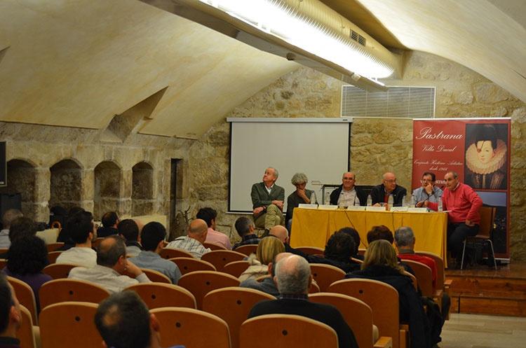 En la mesa redonda se analizó la situación del sector apícola en España