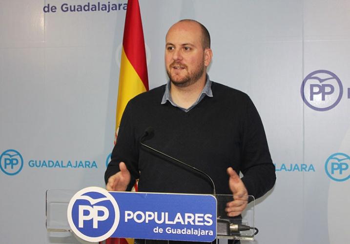 El portavoz del PP Lucas Castillo
