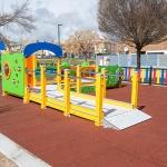 Marchamalo instala su tercer parque infantil inclusivo, el más grande, con ayuda de ADAC