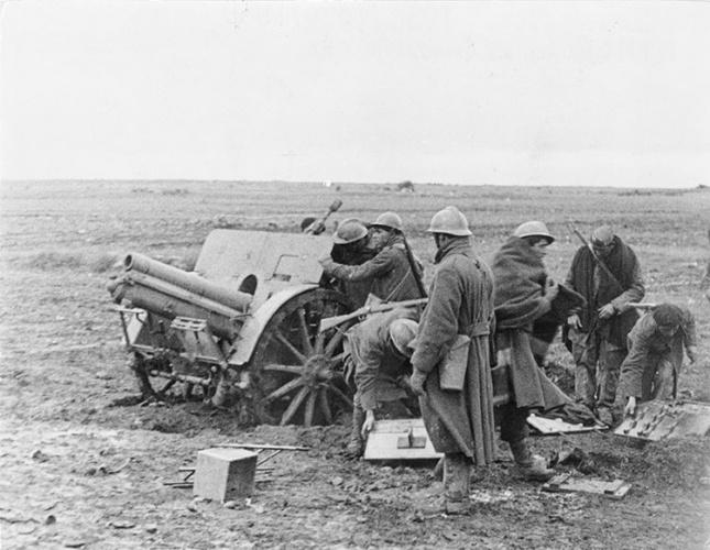La artillería recoge material tras un ataque. (del libro Guadalajara 1937. Testimonios de una batalla