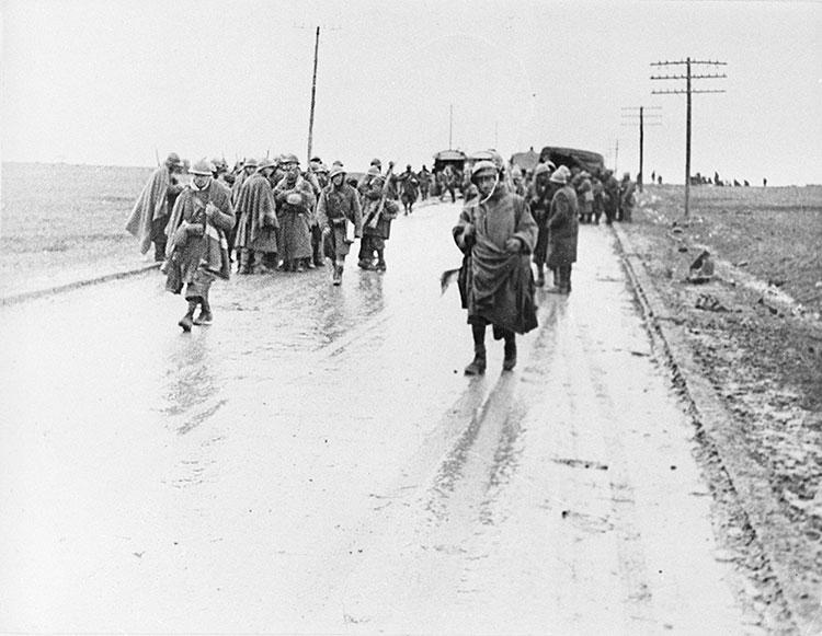 Avance italiano por la carretera de Francia. (del libro Guadalajara 1937. Testimonios de una batalla)