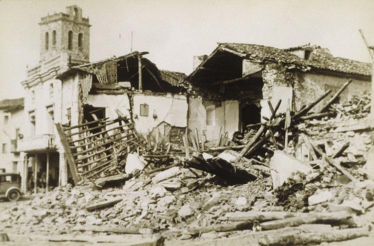 La plaza de Torija, bombardeada por la aviación nacionalista. Testimonios de una batalla