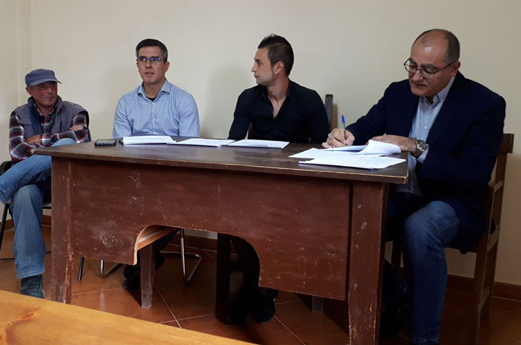 Ángel Canales, nuevo subdelegado, ejerciendo de alcalde en su pueblo