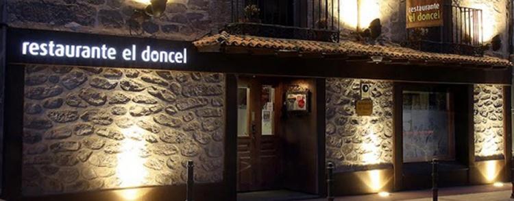 Entrada al restaurante El Doncel, en Sigüenza. // Foto: El Doncel.