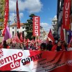Cientos de personas demandan salarios y pensiones dignas en Guadalajara