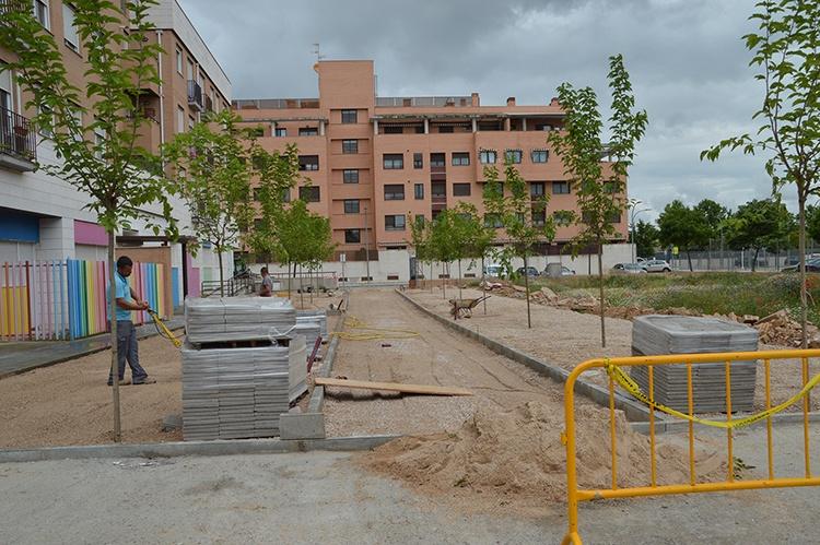 Operarios trabajando en la zona. Fotografía: Álvaro Díaz Villamil/ Ayuntamiento de Azuqueca de Henares