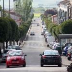 El Mercadillo de Cabanillas se traslada a la calle Cuzco, y se impedirá la doble fila en Benalaque