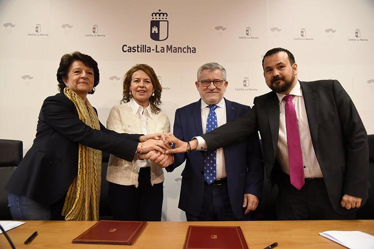 Firma del protocolo de colaboración entre las consejerías de Bienestar Social y de Educación, Cultura y Deportes