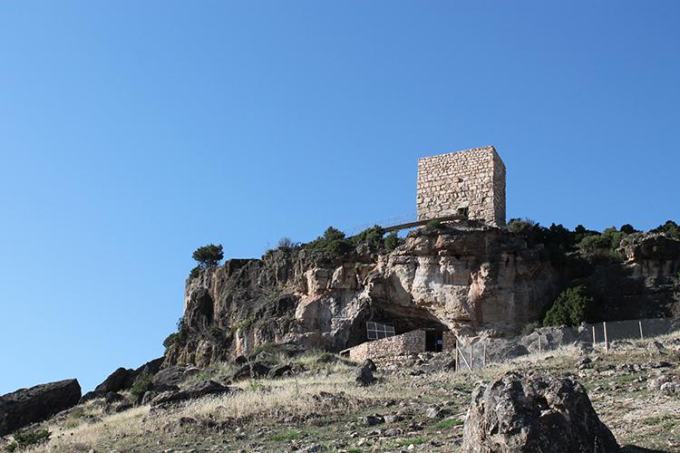 Entrada a la cueva de Los Casares (Foto: Marta Perruca)