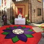 Las calles de Almonacid de Zorita lucieron las alfombras del Corpus