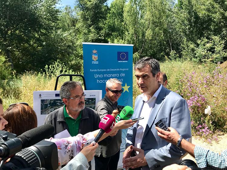 Antonio Román ha presentado el ambicioso plan de regeneración de la ribera de Henares