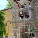 Comienzan los trabajos para rehabilitar la hornacina del Arco de la Guía en Brihuega
