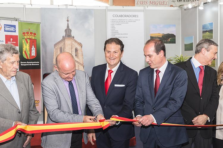 Un momento de la inauguración de Ecualtur en Yunquera de Henares