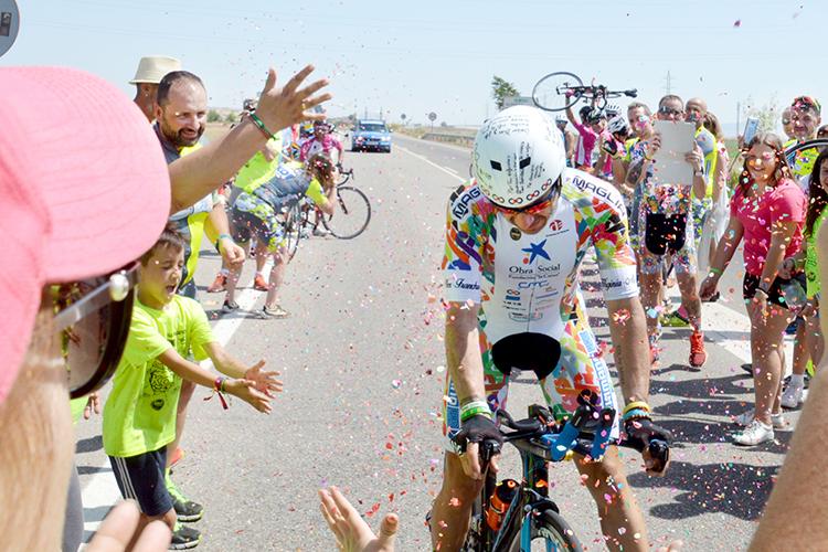 Imagen del intento de récord de España de 12 horas en bicicleta realizado el año pasado. Fotografía: Álvaro Díaz Villamil / Ayuntamiento de Azuqueca