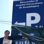 """Robisco denuncia que """"Page castiga a Guadalajara abriendo el parking hospitalario más caro de la región"""""""