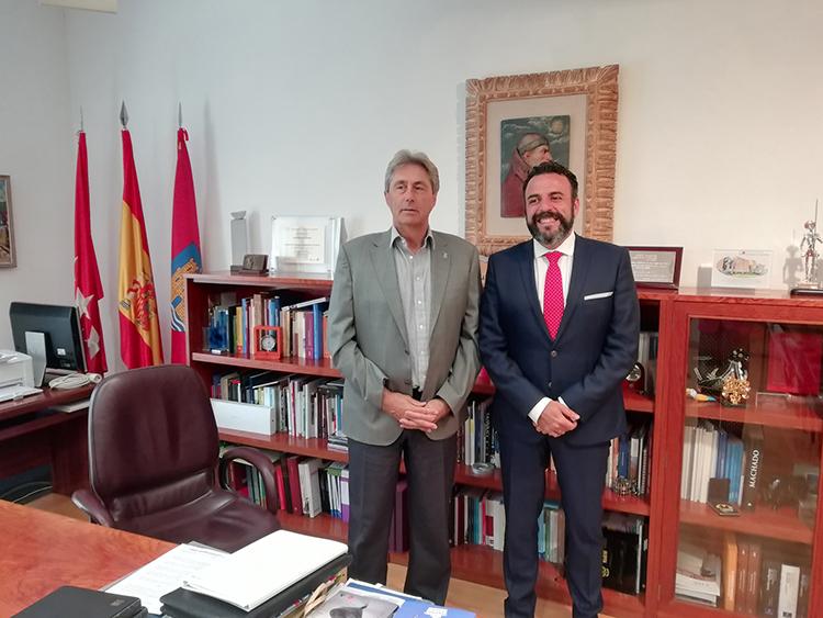 El alcalde de Azuqueca de Henares y el rector de la Universidad de Alcalá de Henares. Fotografía: Ayuntamiento de Azuqueca