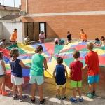 Un centenar de niños participan en el campamento urbano de Marchamalo