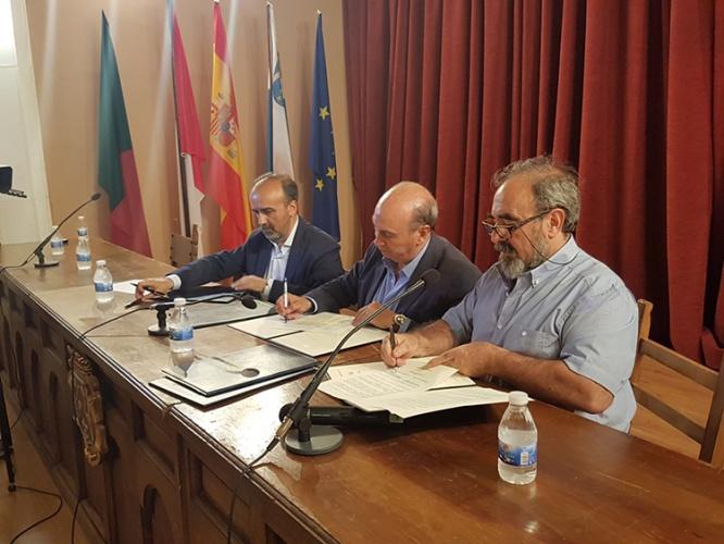 Latre firma nuevos convenios con el Geoparque
