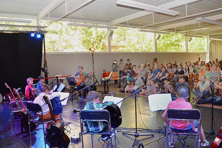 Imagen de archivo de la audición de fin de curso del taller municipal de Guitarra. Fotografía: Álvaro Díaz Villamil / Ayuntamiento de Azuqueca