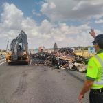 Este sábado se produjo un gran atasco en la A-2 a la altura de Trijueque por el incendio de un camión