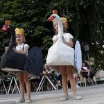 'El lago de los cisnes' y 'Yo hice la EGB', mejores disfraces infantiles de San Roque en Sigüenza