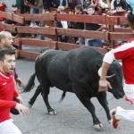 Un herido por asta de toro y dos leves en el segundo encierro de Guadalajara