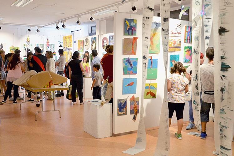 Exposición de fin de curso del taller de Artes Plásticas infantil y juvenil. Fotografía: Álvaro Díaz Villamil / Ayuntamiento de Azuqueca