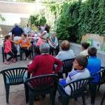 Azuqueca celebra el Día Internacional de las Personas Mayores con los usuarios del Centro de Día Las Acacias
