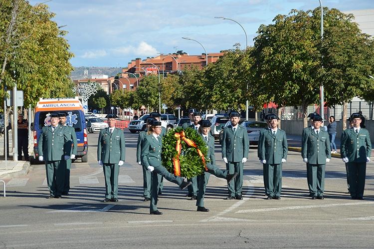 Un momento del acto de inauguración de la glorieta de la Guardia Civil en Azuqueca de Henares. Fotografía: Álvaro Díaz Villamil/ Ayuntamiento de Azuqueca de Henares