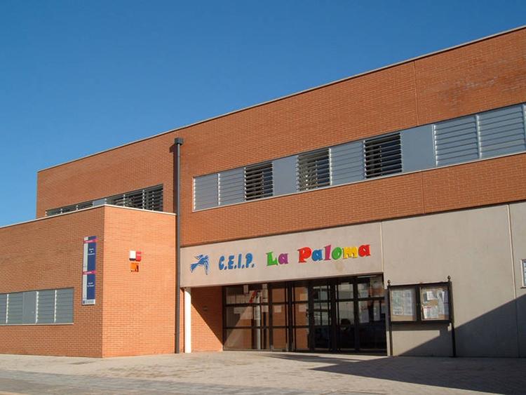 La actividad se desarrolla en las instalaciones del CEIP La Paloma