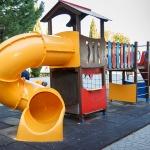 El Ayuntamiento de Guadalajara se queja de los destrozos causados por vándalos en los juegos infantiles