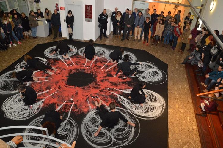 Representación artísticas al inicio del acto. Fotografía: Álvaro Díaz Villamil / Ayuntamiento de Azuqueca