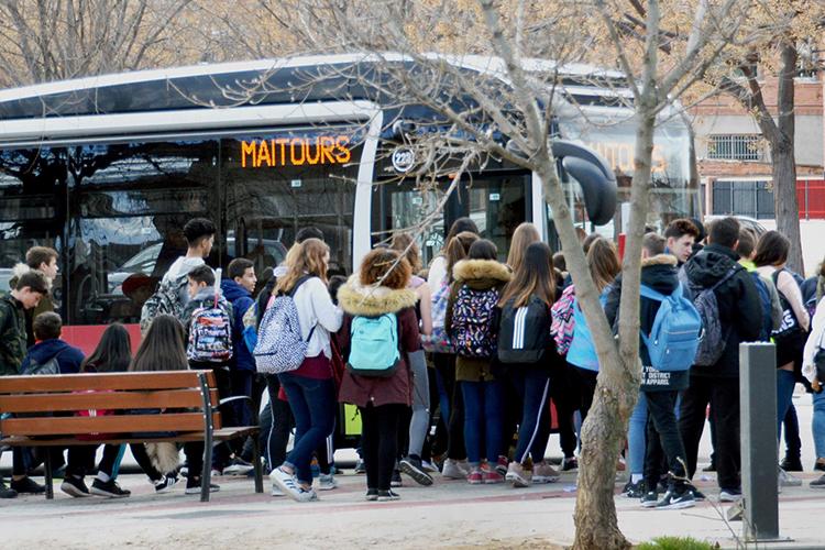 Imagen de archivo de una parada del autobús urbano. Fotografía: Álvaro Díaz Villamil / Ayuntamiento de Azuqueca