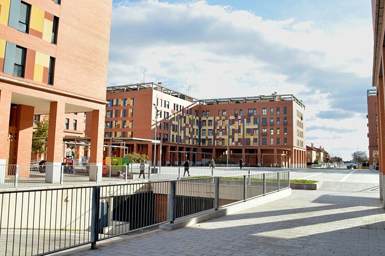 Imagen de archivo de la Plaza 3 de abril. Fotografía: Álvaro Díaz Villamil/ Ayuntamiento de Azuqueca de Henares