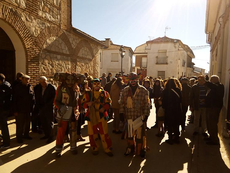 Las botargas y mojigangas recorrieron las calles de Málaga de Fresno