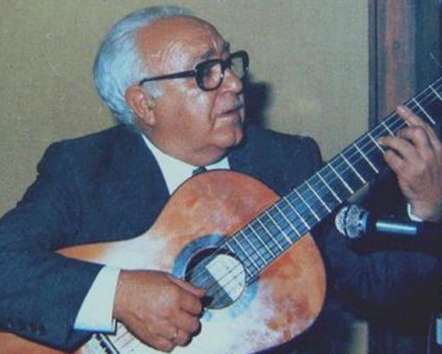 Segundo Pastor, y su guitarra