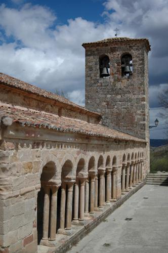 Iglesia románica de Carabias, en la zona de Sigüenza.