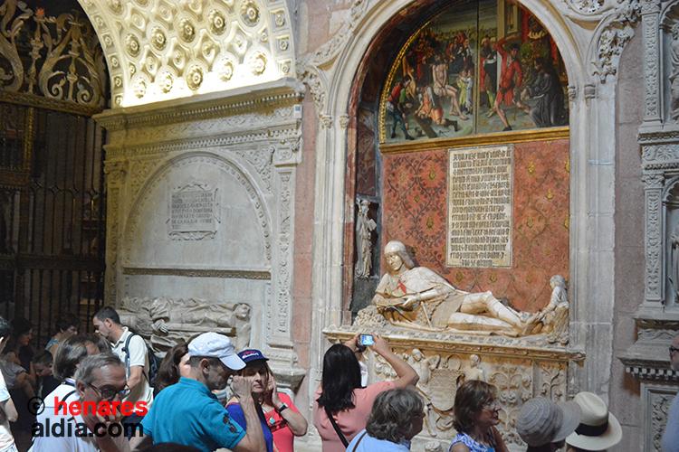 Estatua del Doncel en la Catedral de Sigüenza