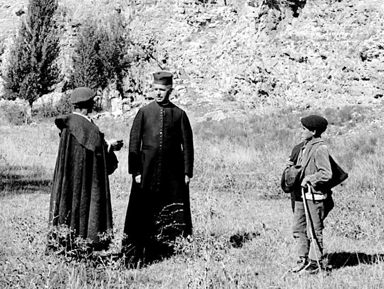 Justo Juberías en la Cueva de los Siete Altares, en Sepúlveda