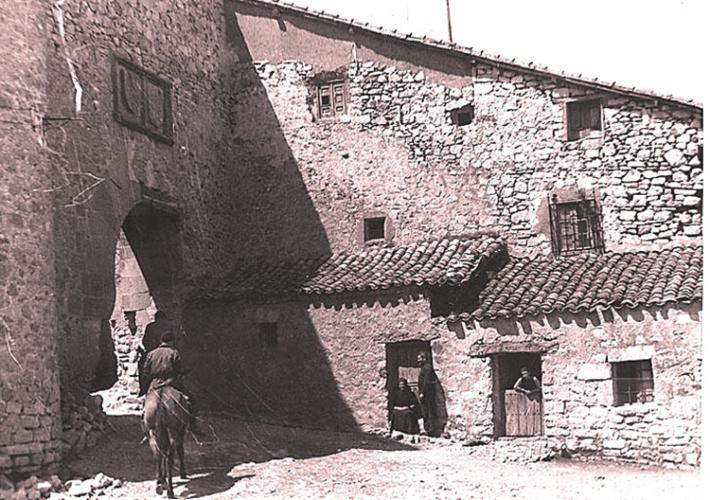 La amurallada villa de Palazuelos vio nacer a Justo Juberías en 1878