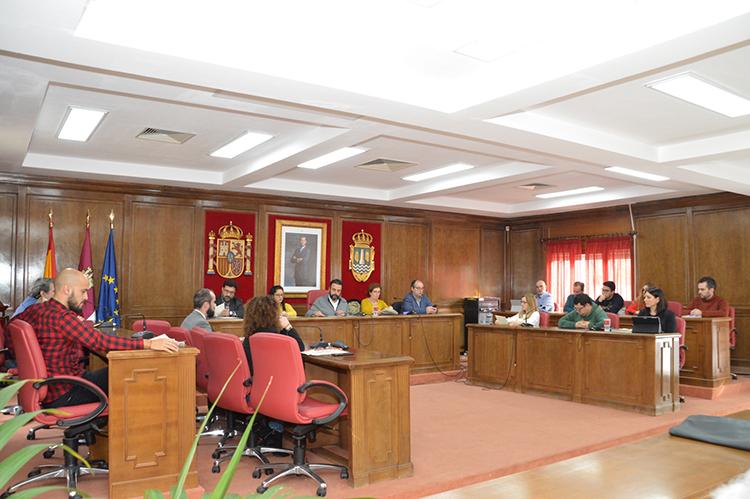 Vista general del Salón de Plenos al inicio de la sesión. Fotografía: Álvaro Díaz Villamil / Ayuntamiento de Azuqueca
