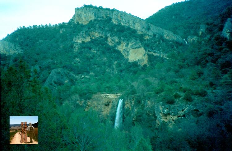 Cascada de los Ojos de la Carquima en el Hundido de Armallones (Alto Tajo
