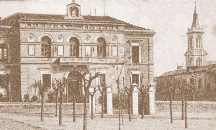 Palacio de la Diputación, levantado a idea de don Román Atienza