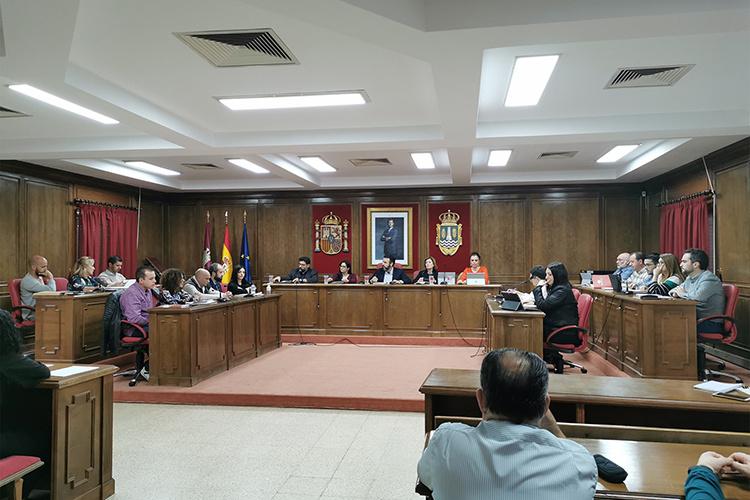 Un momento del debate. Fotografías: Ayuntamiento de Azuqueca de Henares