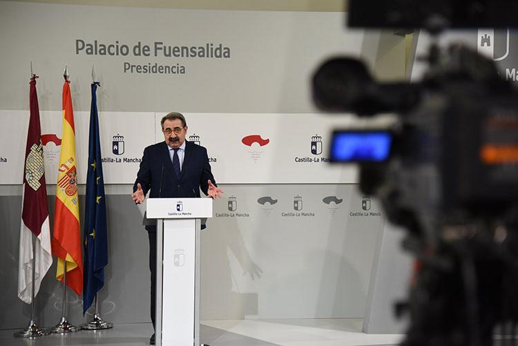 El Consejero de Sanidad, Jesús Fernández Sanz durante la rueda de prensa de hoy en Toledo