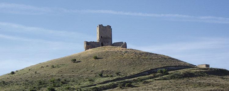 El castillo de La Torresaviñán, una atalaya entre la Sierra y el Señorío de Molina.