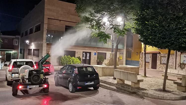 Yebes realiza un tratamiento de desinsectación en parques y arboledas contra las plagas veraniegas