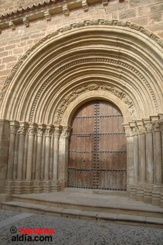 Cifuentes, portada de Santiago en la Iglesia de San Salvador