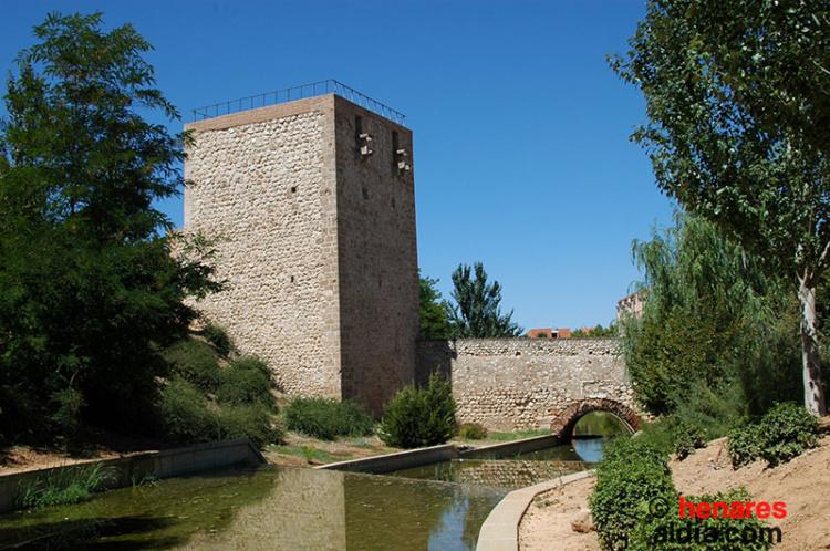 Torreón del Alamín, uno de los escasos restos de las antiguas murallas