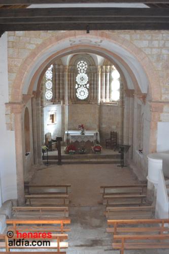 Interior de la Iglesia de Santa Coloma, en Albendiego, la joya del Románico de Guadalajara.